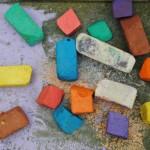 Vergeten speelged herontdekken - spelen met nat gekleurd krijt