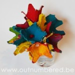 Maak je eigen bloemen van eierdozen - Eenvoudig knutselen met eierdozen