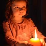 Dit is waarom ik mijn kinderen thuis met vuur laat spelen